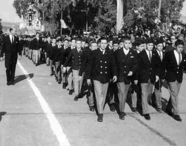 La marcha militar era practicada en patios y actos oficiales
