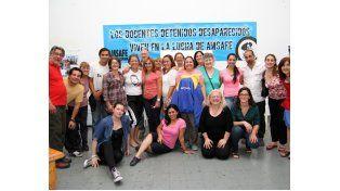 Los educadores venezolanos y uruguayos en el encuentro realizado en Amsafé con sus pares de Rosario.