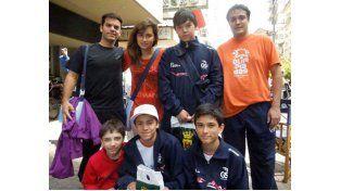 Los campeones de ajedrez que ahora se probarán con otros jóvenes de Sudamérica.