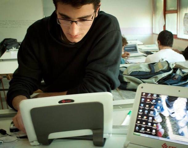 Ciencias de la computación de la UNR se ofrece como una buena alternativa para los interesados en investigar dentro del terreno de la informática.