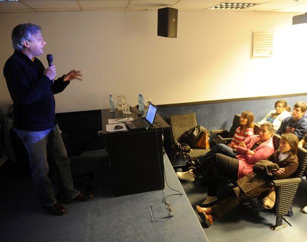 El encuentro realizado en el auditorio de La Capital sirvió para intercambiar opiniones entre investigadores y docentes. (Foto: H. Rio)
