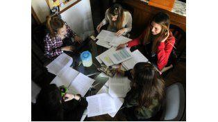 En los grupos de estudios se encuentran jóvenes de distintas ciudades