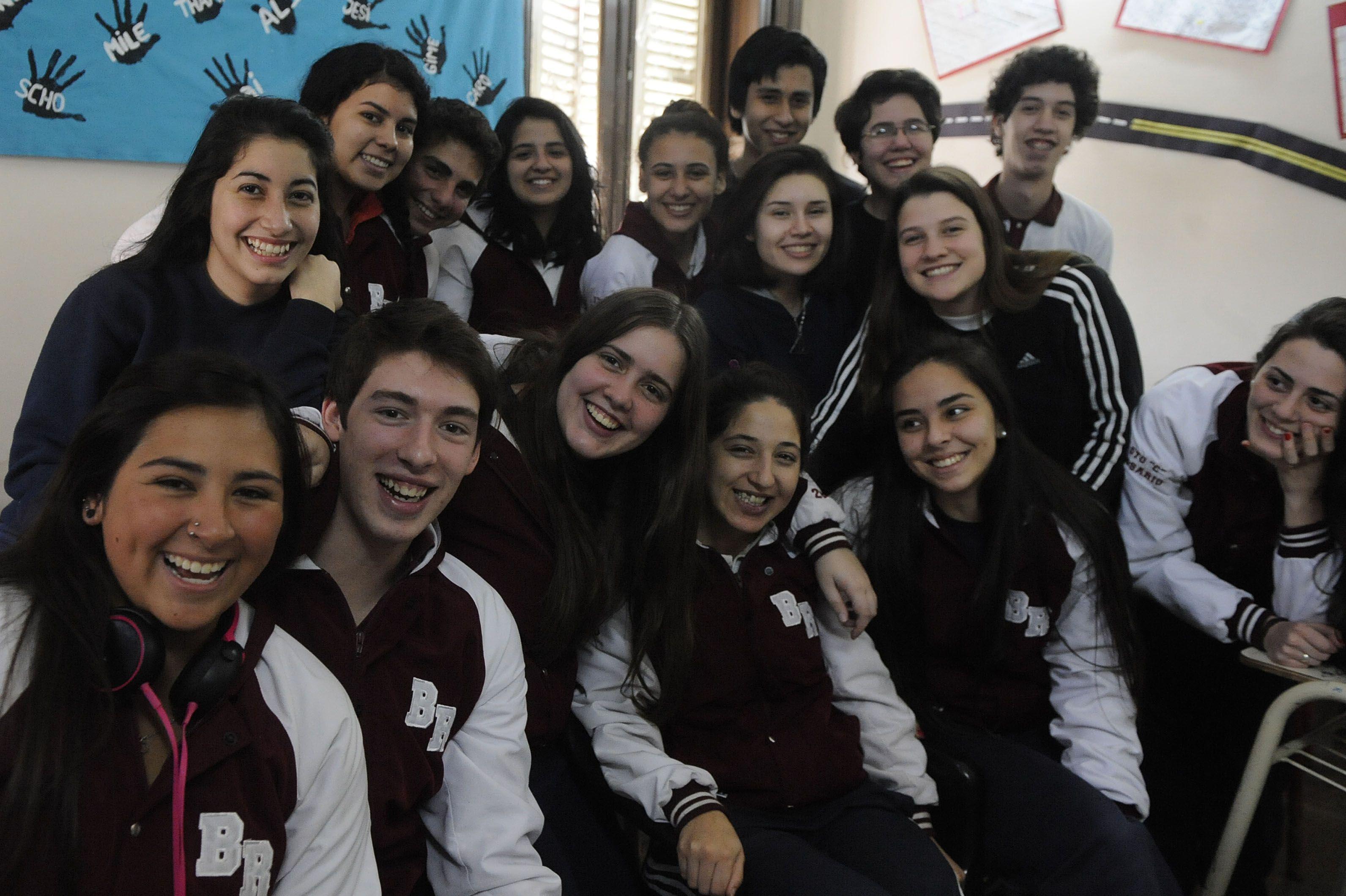 Un grupo de 5º año de la Escuela Secundaria Nº 432 Bernardino Rivadavia comparte sus dudas sobre qué hacer una vez finalizada la etapa obligatoria. Algunos ya eligieron carrera