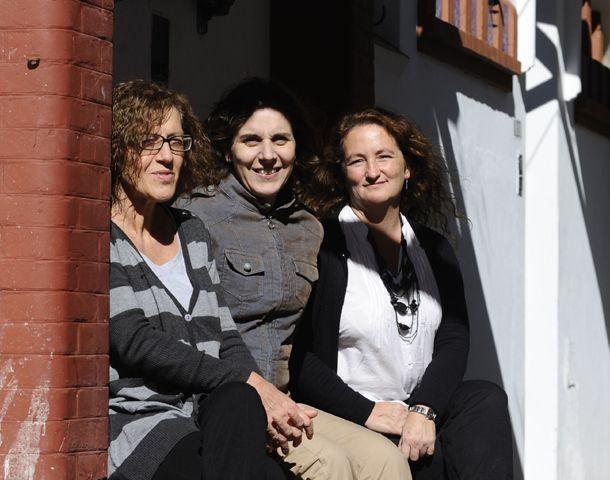 Las compiladoras del libro que se presentará el 31 de mayo próximo: Silvia Grande
