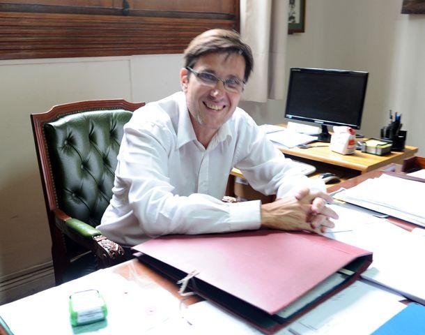 Goity celebra la llegada del prestigioso educador norteamericano a la UNR