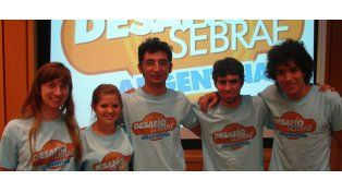 Los jóvenes universitarios que alcanzaron el segundo puesto en la instancia nacional jugada en Buenos Aires.