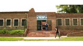 La escuela de Casacuberta al 8900 tiene capacidad para recibir a más de 450 chicos. Su matrícula hoy asciende a 150. (Foto: S. Salinas)