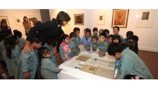 Los chicos del nivel inicial en el Museo Castagnino. (Foto: S.Toriggino)