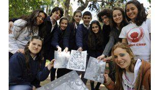 Los creadores de la revista La Pocha cursan el 4º año en el Colegio Madre Cabrini