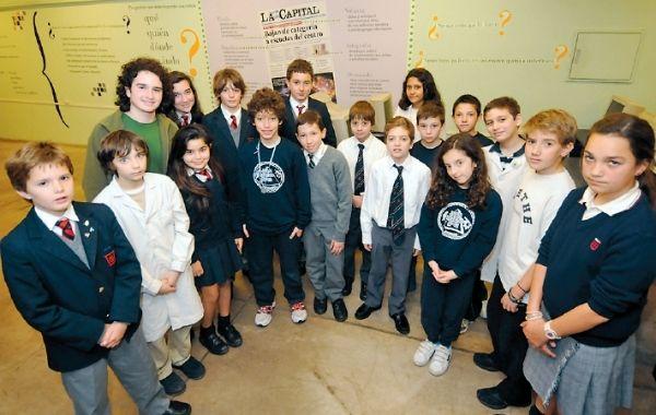 Los chicos y chicas de diferentes escuelas de la provincia reconocidos en el certamen educativo. (Foto: E. Rodríguez Moreno)