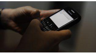 Cada vez más adolescentes cuentan con celulares con acceso a internet