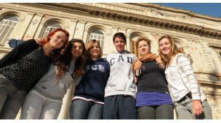 Cada vez más chicos extranjeros eligen Rosario para convivir