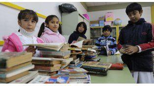Quieren sumar 5 mil libros para embellecer más la escuela