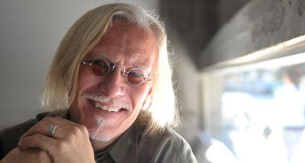 Peter Mc Laren: Un buen docente es aquel que intenta transformar el mundo