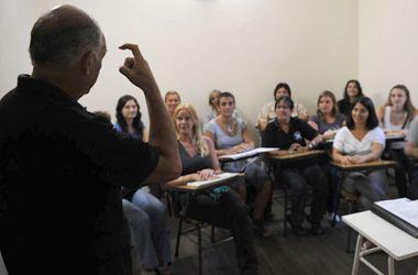 Cada vez más se valoriza el dominio de la lengua de señas