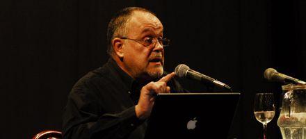 Mempo Giardinelli: Hay que recuperar la lectura en voz alta obligatoria