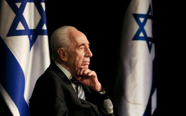 El ex presidente israelí Shimon Peres sufrió un ACV y está grave