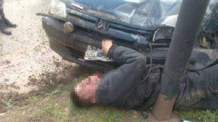 El ladrón quedó atrapado entre el automóvil que lo atropelló y una columna de alumbrado.