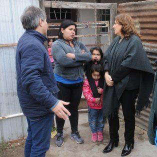 La intendenta encabezó hoy un operativo municipal en el barrio Santa Lucía Viejo.