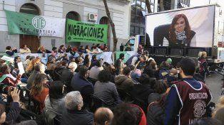 Reapareció Cristina Kirchner: denunció hambre y respaldó el pedido de reapertura de paritarias