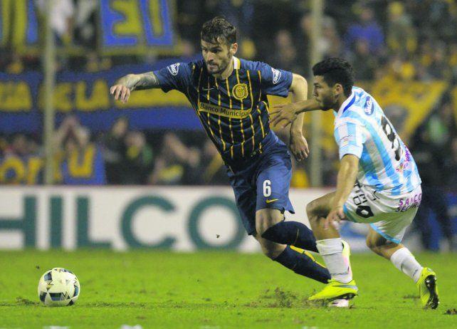 Marco Torsiglieri. El zaguero central canalla es candidato a dejar la titularidad tras los errores defensivos de Central.