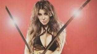 Charlotte Caniggia se puso en la piel de una villana hot en una producción sólo para hombres