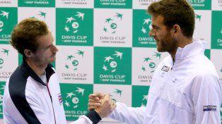Nuevamente cara a cara. El escocés Murray y el tandilense Del Potro se saludan. La final olímpica está muy fresca todavía.