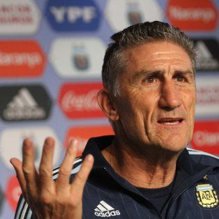 El director técnico de la selección, Edgardo Bauza, anticipó cómo formará la albiceleste contra Perú.