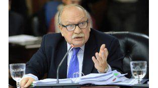 Maniobra. Luis María Cabral fue desplazado para evitar un eventual fallo contra el acuerdo con Irán.