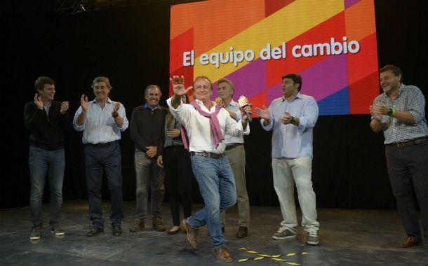 Festejo. El candidato del PRO celebró su triunfo cantando y bailando