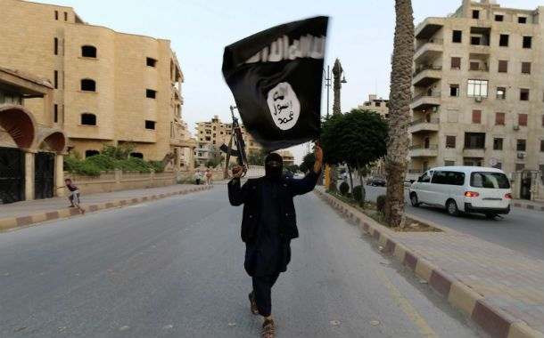 Advertencia. Un yihadista de Estado Islámico