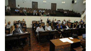 Manos alzadas. Los concejales del arco opositor esta semana jugaron para el oficialismo y aumentaron el boleto.