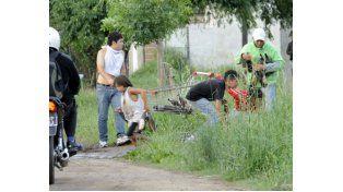 Un grupo de jóvenes se robó varias cervezas de un súper el miércoles pasado. (Foto: M. Bustamante)