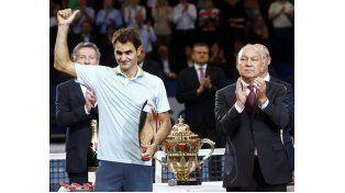 Federer fue ovacionado tras perder con Del Potro en Basilea.