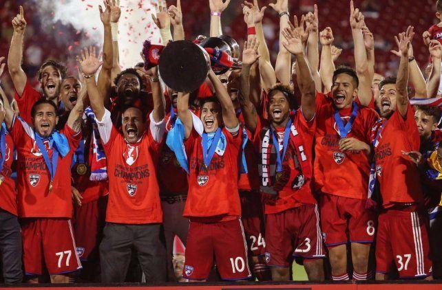 El rosarino Maxi Urruti festejó su segundo título en dos años en la Major League Soccer