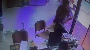 Un ladrón se disfrazó de cartero para meterse en una empresa y perpetrar un robo