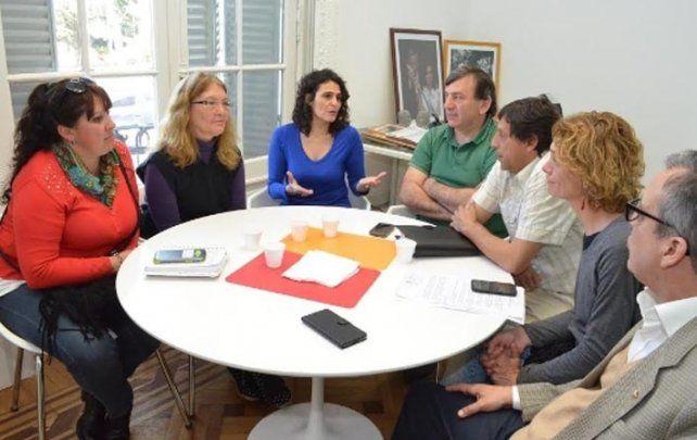 Ni una menos. Las edilas Norma López y Celeste Lepratti organizaron la reunión.