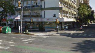 El Nuevo Banco de Santa Fe de Pellegrini y San Martin.