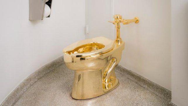 Un inodoro de oro