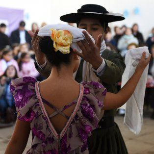 folclore en las escuelas a favor del enriquecimiento cultural