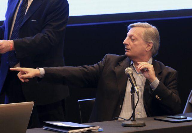 Ministro. Aranguren fue el primero en hablar en la audiencia pública.