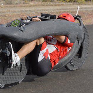 Diseño. La bicicleta tiene un armazón de fibra de carbono.