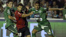 La tercera presentación del Newells de América Rubén Gallego del torneo 2015 fue en Junín contra Sarmiento, el 31 de marzo. Ganó el conjunto rojinegro por 2 a 1, con goles de Alexis Castro y Nacho Scocco
