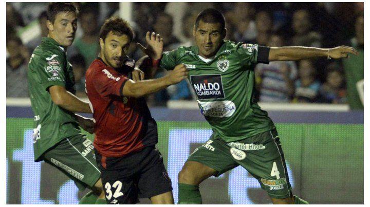 La tercera presentación del Newells de América Rubén Gallego del torneo 2015 fue en Junín contra Sarmiento
