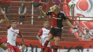 Diego Mateo vuelve a la titularidad tras cumplir una fecha de suspensión.
