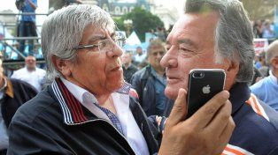 Sindicalistas. Moyano y Barrionuevo no descartan medidas de fuerza si el gobierno desoye sus reclamos.