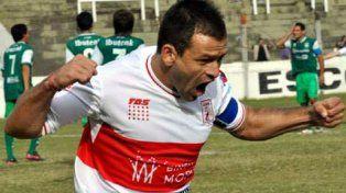 Damián Akerman. El ex delantero rojinegro de 36 años es el emblema de Deportivo Morón en la actualidad.