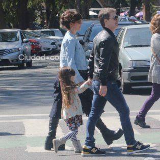 a pesar de la separacion, griselda siciliani y adrian suar pasearon con su hija por palermo