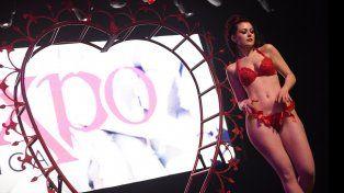 Las modelos XL se ganaron a los espectadores de la feria de la sexualidad y erotismo de Córdoba