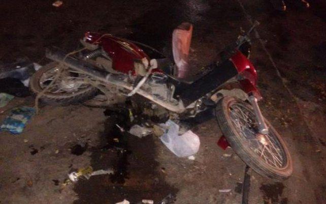 Un grupo de vecinos detuvo y golpeó a dos supuestos ladrones que se desplazaban en moto.